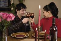 Romantisches Abedendessen in einem Restaurant