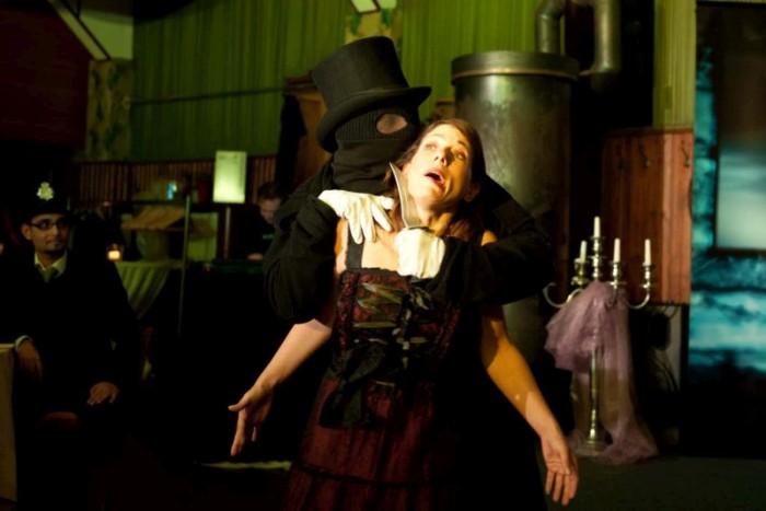 Jack the Ripper bei einem seiner Verbrechen