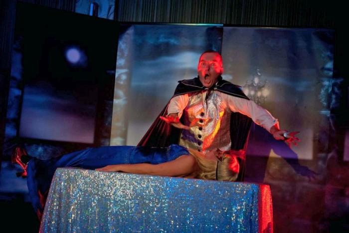 Houdinus bei der Aufführung Jack the Ripper
